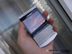Mysterious BlackBerry 9900 prototype surfaces